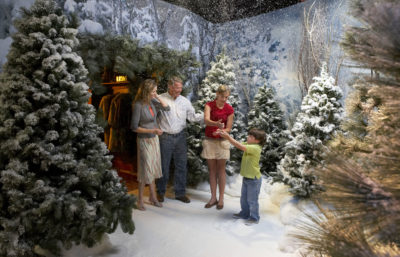 Snow falls on visitors - HMNS Sugarland
